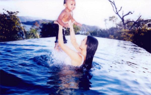kim-kardashian-playful-saint-west-vacation-ftr